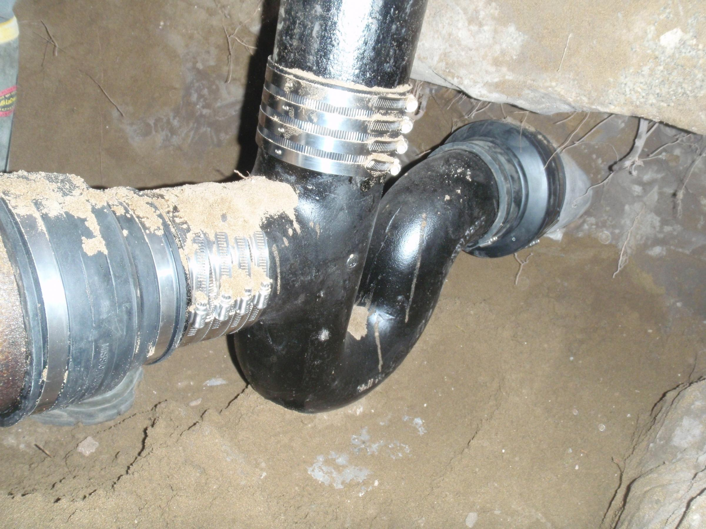 House trap plumbing architectural designs for Whole house plumbing trap