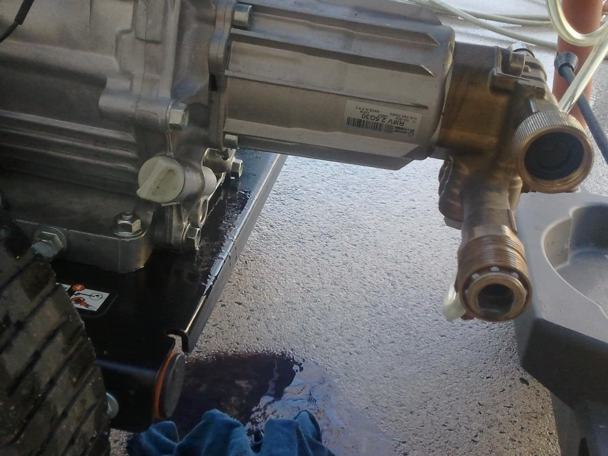 Click image for larger version  Name:pump-cam-oil-4.jpg Views:1 Size:145.9 KB ID:16893